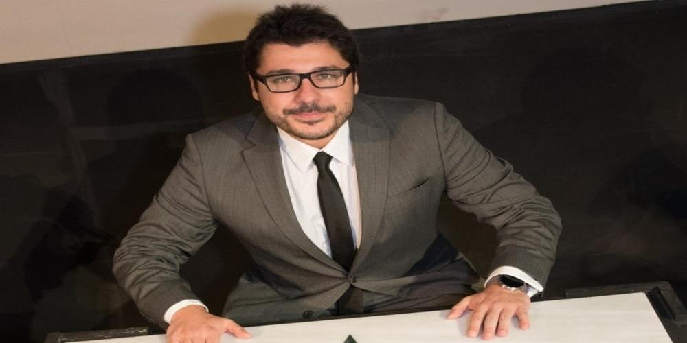 Δήμος Ορεστιάδας: Δίνει 3.720 ευρώ στον παρουσιαστή των εκδηλώσεων ΑΡΔΑΣ 2018 Λάμπρο Κωvσταντάρα