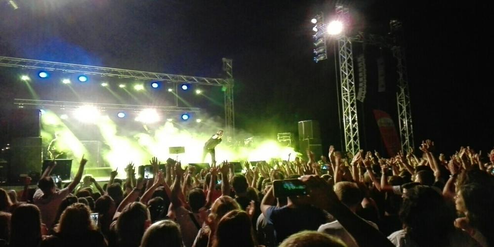 """Με τον μοναδικό Μιχάλη Χατζηγιάννη """"έκλεισε"""" το πετυχημένο Φεστιβάλ Νεολαίας Τυχερού(ΒΙΝΤΕΟ)"""