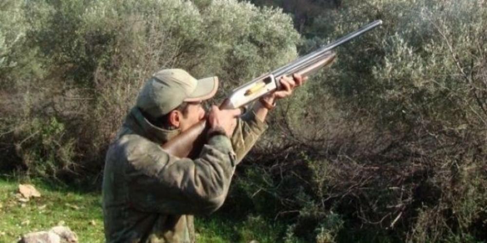 """Στα """"'όπλα"""" οι κυνηγοί. Αρχίζει αύριο η φετινή κυνηγετική περίοδος"""