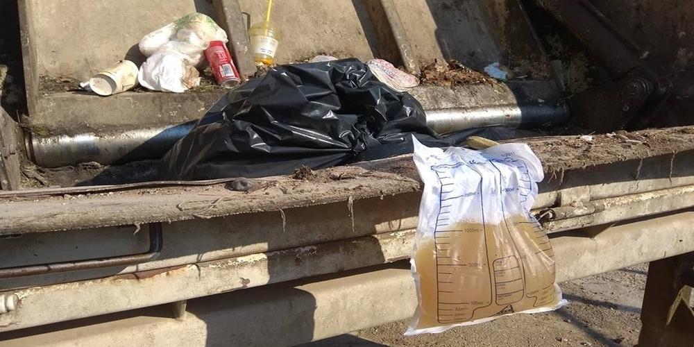 """Αλεξανδρούπολη: Σακούλα με απόβλητα του Ιδρύματος """"Αγίου Κυπριανού"""" έσκασε στα μούτρα εργαζόμενου"""