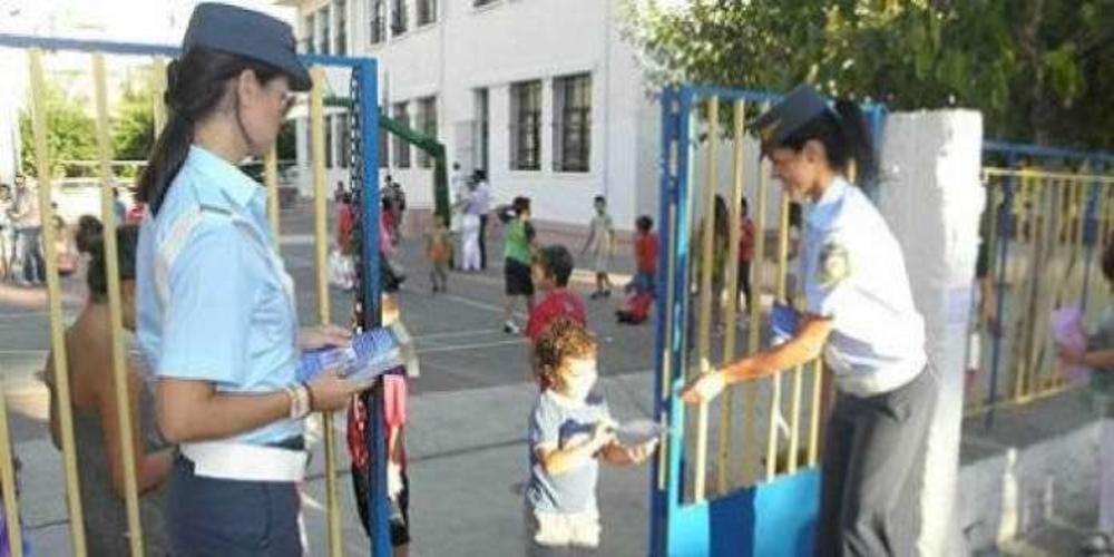 Διανομή ενημερωτικών φυλλαδίων αύριο από αστυνομικούς σε μαθητές και γονείς κυκλοφοριακού περιεχομένου