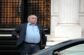 Βούτσης: Δεν γνωρίζω καμία μακεδονική γλώσσα να μιλιέται στην Ελλάδα, άρα δεν δίνουμε κάτι