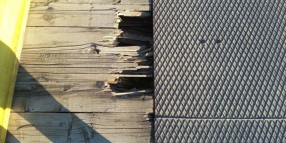 Σοβαρά προβλήματα λόγω φθορών στη γέφυρα του Μικρού Δερείου. Χρειάζεται άμεση παρέμβαση (φωτορεπορτάζ)