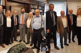 """Β.Λαμπάκης: Επίσημος υποψήφιος της Ν.Δ, αλλά όπως δηλώνει """"έχω.. πολύ καλούς φίλους στον ΣΥΡΙΖΑ"""""""