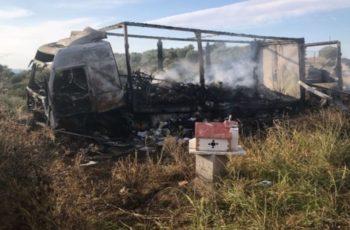 ΤΡΑΓΩΔΙΑ: Κάηκαν 11 άνθρωποι που ξεκίνησαν απ' τον Έβρο και τράκαραν με νταλίκα στην Καβάλα
