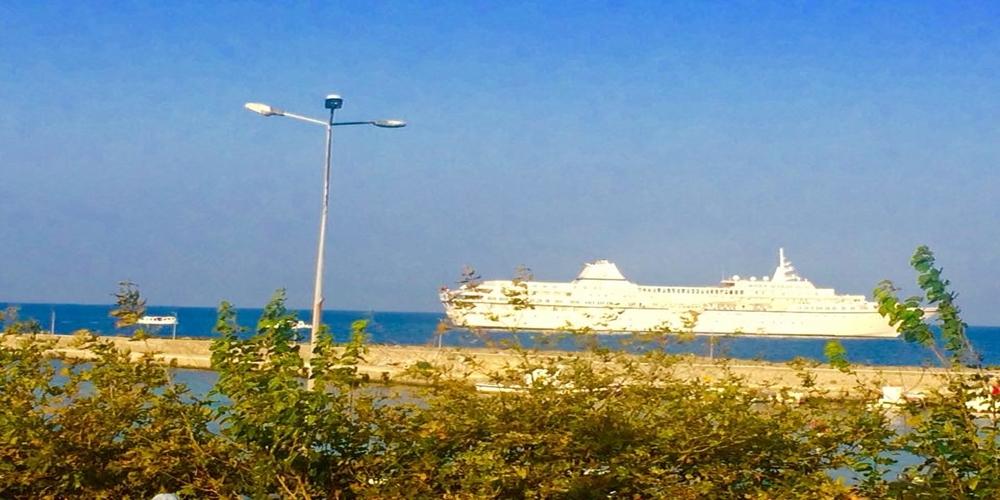 """Στην Σαμοθράκη απ' το πρωί το κρουαζιερόπλοιο """"Aegean Odyssey"""","""