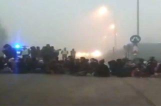 ΟΡΕΣΤΙΑΔΑ ΤΩΡΑ: Χαμός στον κάθετο άξονα. Λαθρομετανάστες έκλεισαν τον δρόμο κοντά στην Καβύλη