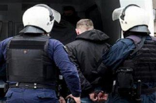 """Συλληφθέντες αστυνομικοί: Τούρκος ο """"εγκέφαλος"""", 29 κινητά, 21 βιβλιάρια τραπεζικών καταθέσεων, πολύ βαριές κατηγορίες"""