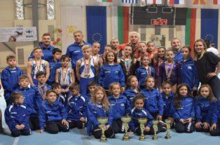 Φορτωμένη μετάλια και διακρίσεις επέστρεψε απ' το εξωτερικό η ομάδα του Ομίλου Ενόργανης Γυμναστικής Αλεξανδρούπολης (ΟΕΓΑ)