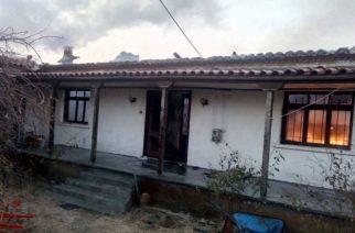 Αλεξανδρούπολη: Απανθρακώθηκε από πυρκαγιά μέσα στο σπίτι – Στο… τσακ γλίτωσε ο αδερφός του