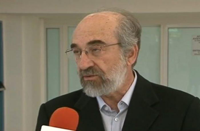 """Β.Λαμπάκης: Λάβρος κατά του """"Κλεισθένη"""", αλλά τον αξιοποιεί προσλαμβάνοντας νέο Ειδικό Συνεργάτη"""