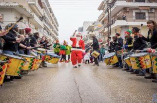 """Ορεστιάδα: Ξεκίνησαν οι εορταστικές εκδηλώσεις με """"Αγγέλων Φως"""", τυμπανιστές, Αϊ Βασίλη και διασκέδαση (ΒΙΝΤΕΟ+φωτό)"""