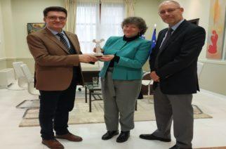 Τα πλεονεκτήματα της περιοχής, παρουσίασε στην Επιτετραμμένη της Καναδικής πρεσβείας ο Αντιπεριφερειάρχης Δ.Πέτροβιτς