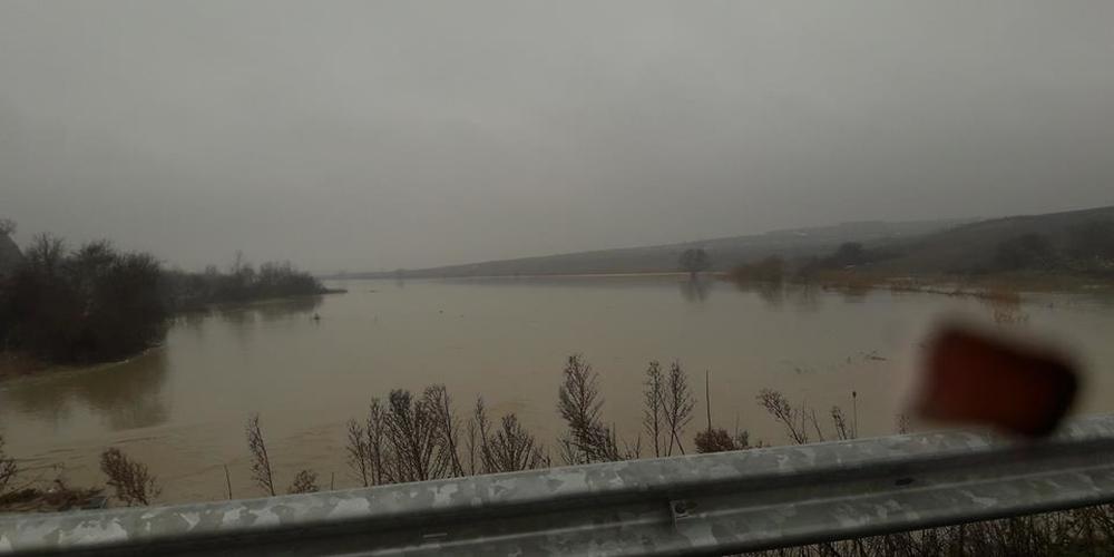 Πλημμυρικά φαινόμενα από βροχές και λιώσιμο χιονιού στον βόρειο Έβρο (φωτορεπορτάζ)