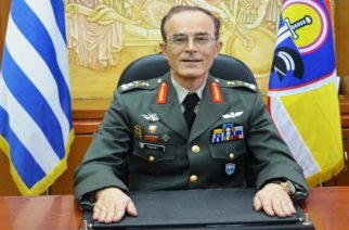 Νέα αδιαθεσία για το νέο Αρχηγό ΓΕΣ Γεώργιο Καμπά – Αποχώρησε πριν ολοκληρωθεί η τελετή!
