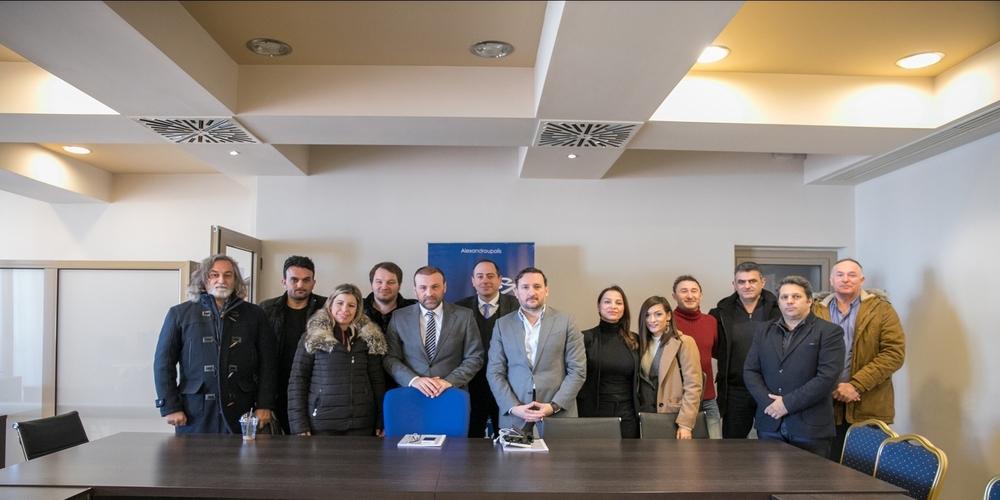 Αλεξανδρούπολη: Συνάντηση-ενημέρωση του υποψήφιου δημάρχου Γιάννη Ζαμπούκη με τον Εμπορικό Σύλλογο (φωτορεπορτάζ)