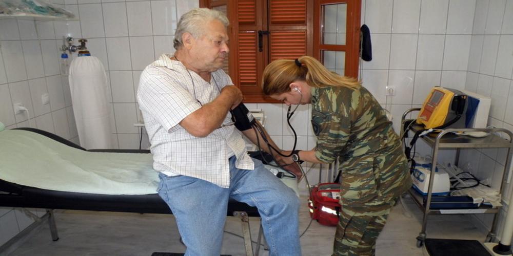 Επίσκεψη και δωρεάν εξετάσεις από Στρατιωτικό Ιατρικό Κλιμάκιο στο ΚΑΠΗ Φερών
