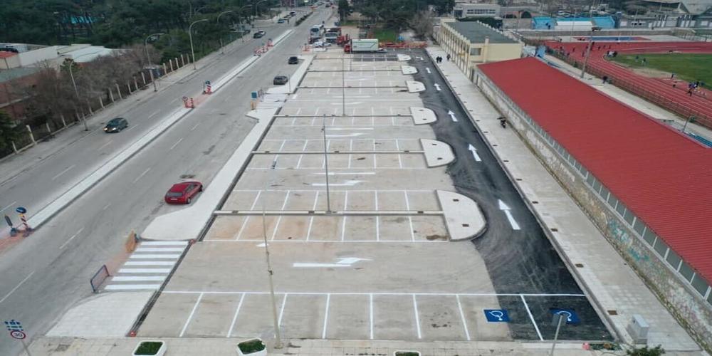 Δεν… παίζονται: Οργανώνουν επικοινωνιακή φιέστα παραλαβής τμήματος του πάρκινγκ, ενώ στο άλλο συνεχίζονται τα έργα!!!