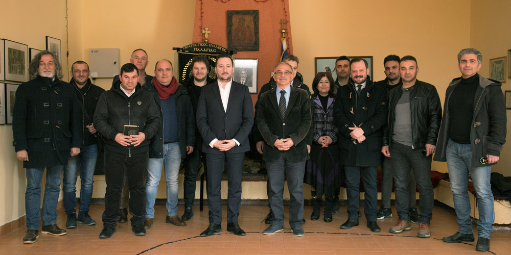 """Επίσκεψη υποψήφιου δημάρχου Γιάννη Ζαμπούκη και συνεργατών του στον Πολιτιστικό σύλλογο Παλαγίας """"Μέγας Αλέξανδρος"""""""