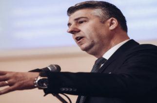Χ.Τοψίδης: Θα πάρει θέση αύριο για τις οικογενειακές εταιρείες του που παίρνουν δημόσια έργα;