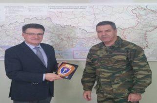 Συνάντηση του Αντιπεριφερειάρχη Δημήτρη Πέτροβιτς με τον Διοικητή του Δ' Σ.Σ Αντιστράτηγο Χ.Λαλούση