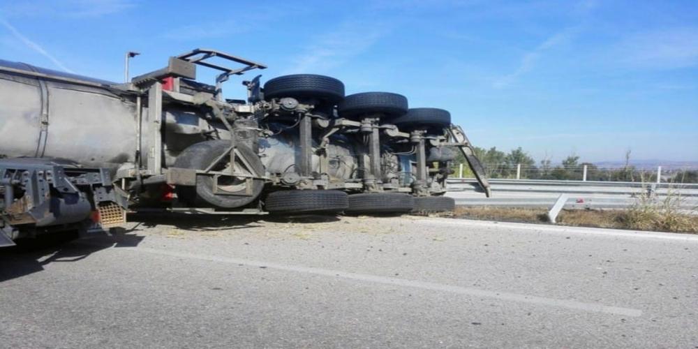 Απαγορεύτηκε η κυκλοφορία στην Εγνατία οδό οχημάτων άνω των 3,5 τόνων λόγω θυελλωδών ανέμων