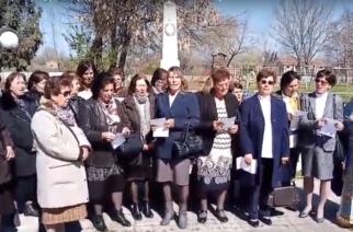 """Συγκινητικό ΒΙΝΤΕΟ: Οι γυναίκες στο ακριτικό Ορμένιο Έβρου τραγουδούν σήμερα το """"Μακεδονία Ξακουστή"""""""