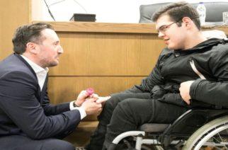 """Αλεξανδρούπολη: Κοσμοσυρροή στην εκδήλωση """"Σχεδιάζουμε με επίκεντρο τον άνθρωπο"""" του υποψήφιου δημάρχου Γιάννη Ζαμπούκη"""