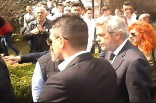 Κράζουν τους ΣΥΡΙΖΑιους όπου τους βρουν για τη Συμφωνία των Πρεσπών – Ηρεμία στον Έβρο