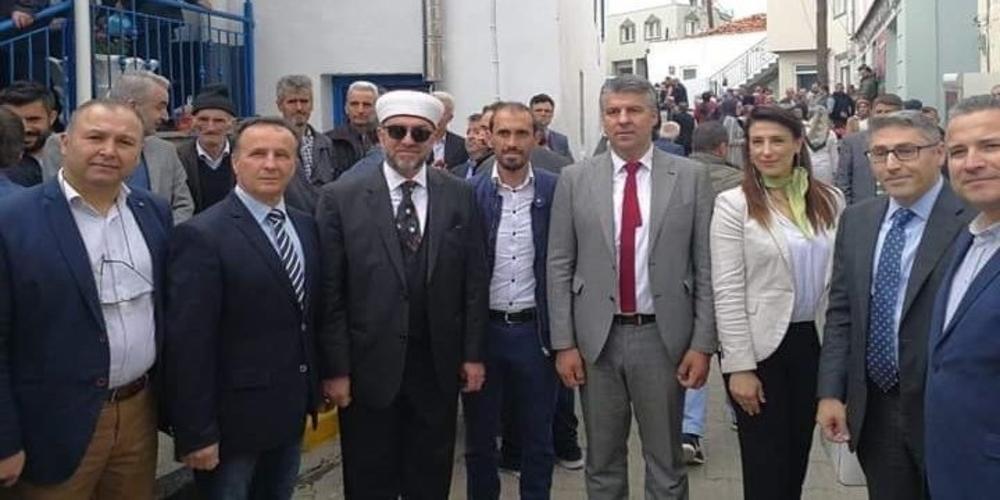 Ο υποψήφιος Περιφερειάρχης Χριστόδουλος Τοψίδης ποζάρει δίπλα στον ψευδομουφτή Ξάνθης Αχμέτ Μέτε!!!