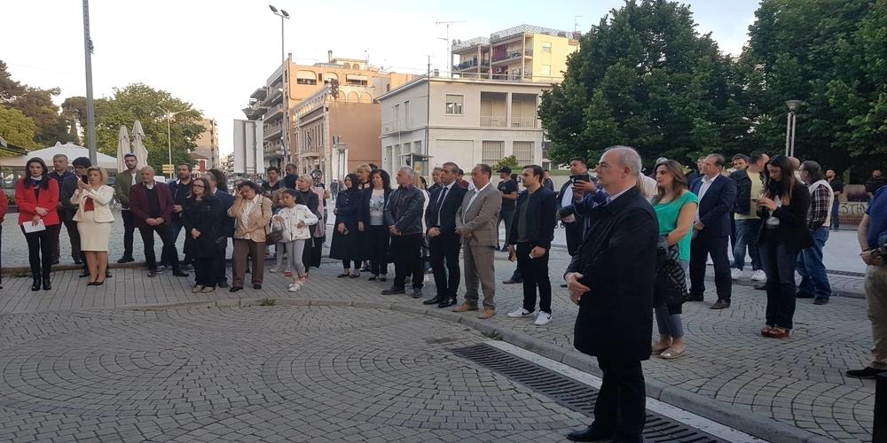 """""""Ξεφούσκωσε"""" η υποψηφιότητα Τοψίδη – """"Λαοθάλασσα"""" 40 ατόμων στα εγκαίνια του εκλογικού κέντρου Κομοτηνής"""