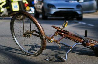 Αλεξανδρούπολη: Τραυματισμός 19χρονης σε τροχαίο στο λιμάνι, όταν το ποδήλατο της συγκρούστηκε με αυτοκίνητο