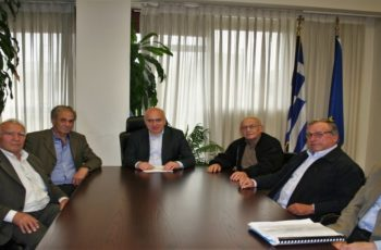 Συνάντηση του Περιφερειάρχη Χρήστου Μέτιου με τη διοίκηση του ΤΟΕΒ Ερυθροποτάμου για τα αρδευτικά