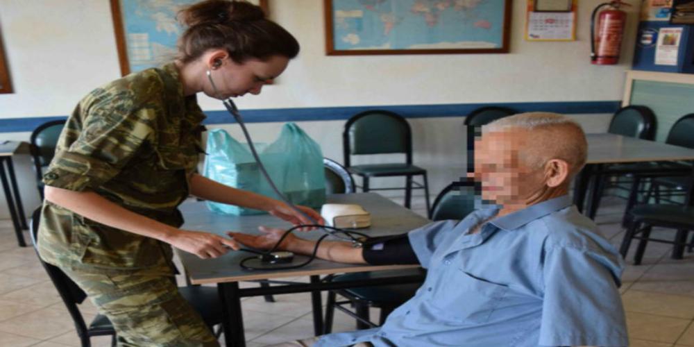 Επίσκεψη στρατιωτικού ιατρικού κλιμακίου στο ΚΑΠΗ Αλεξανδρούπολης για ΔΩΡΕΑΝ εξετάσεις