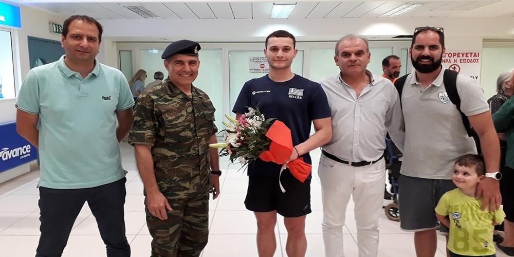 Υποδοχή και απ' τον Διοικητή της 12ης Μεραρχίας στον Παγκόσμιο ρέκορντμαν και Ολυμπιονίκη Δημοσθένη Μιχαλεντζάκη