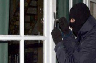 Νέα Βύσσα: Συνέλαβαν 21χρονο που μπήκε σε σπίτι να κλέψει, αλλά τον κυνήγησε ο ιδιοκτήτης