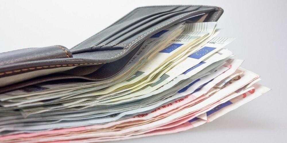Αλεξανδρούπολη: Στρατιωτικός βρήκε πορτοφόλι με 1.800 ευρώ που ανήκε σε Τούρκο και το παρέδωσε στην αστυνομία