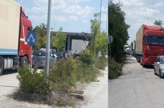 Πάλι τα ίδια: Τρεις ώρες αναμονή, ουρές χιλιομέτρων στο Τελωνείο Ορμενίου προς Ελλάδα