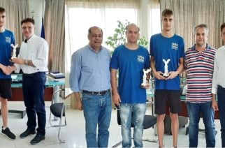 Τον αθλητή του ΝΟΑ Αναστάσιο Κούγκουλο που πέτυχε νέο Πανελλήνιο ρεκόρ βράβευσε ο Δημήτρης Πέτροβιτς