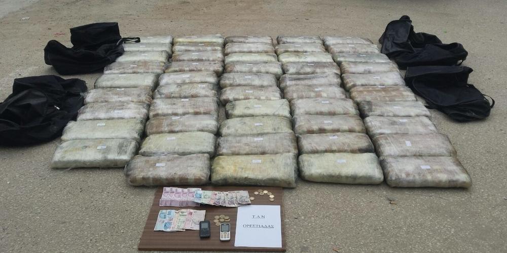 Σπείρα 4 νεαρών που ετοιμαζόταν να εξάγουν 111 κιλά χασίς στην Τουρκία, συνελήφθη στα Μαράσια Ορεστιάδας