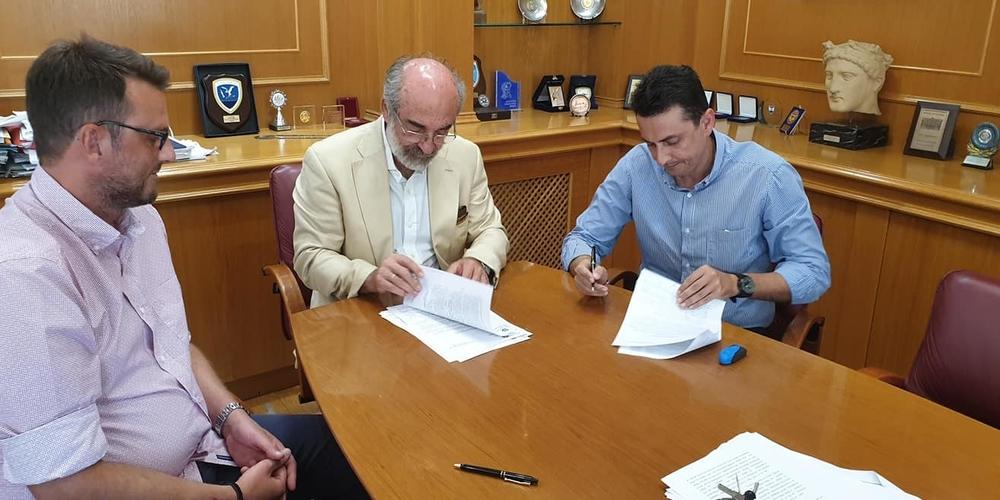 Λαμπάκης: Υπέγραψε πριν λίγο το τελευταίο έργο, με τον ανάδοχο Πρόεδρο της ΝΟΔΕ Άκη Παρασκευόπουλο