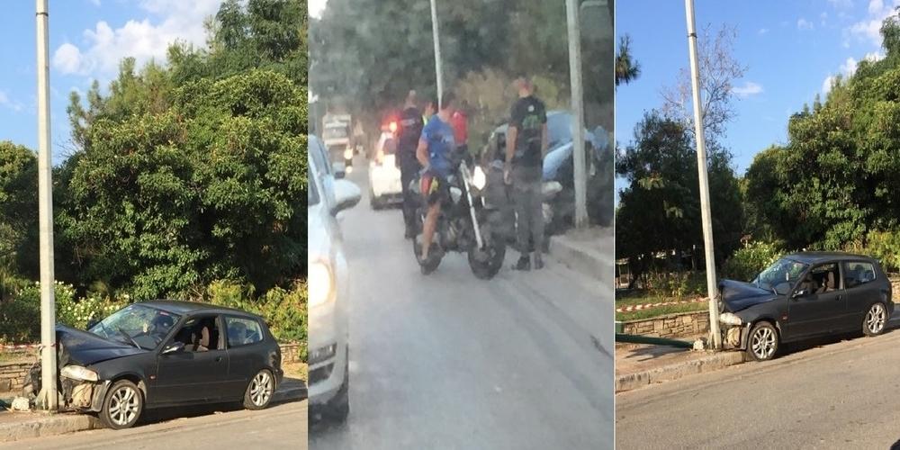 """Αλεξανδρουπολη: Αυτοκίνητο """"καρφώθηκε"""" πάνω σε κολόνα στο Πάρκο Προσκόπων"""