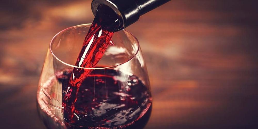 Έρευνα: Ενα ποτήρι κόκκινο κρασί ισούται με μια ώρα στο γυμναστήριο