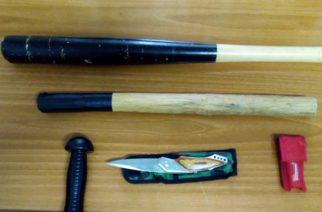 Συνέλαβαν χθες ξημερώματα στο Τρίγωνο Ορεστιάδας 3 νεαρούς που είχαν στο αυτοκίνητο γκλοπ και μαχαίρι