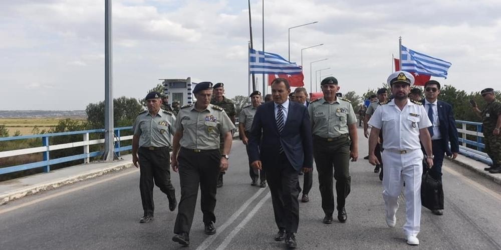 Στα ελληνοτουρκικά σύνορα βρέθηκε ο υπουργός Εθνικής Άμυνας Νίκος Παναγιωτόπουλος (φωτορεπορτάζ)