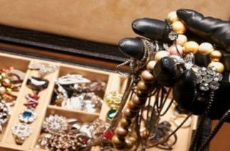 Διδυμότειχο: Χειροπέδες σε 28χρονο που έκλεψε χρήματα και χρυσαφικά-κοσμήματα από σπίτι
