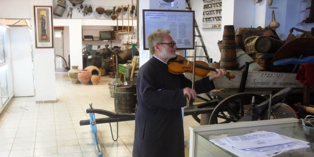 ΝΤΡΟΠΗ: Φόρος… επιτηδεύματος 400,58 ευρώ στο Μουσείο του Παπά-Γιώργη Κομνίδη που δεν κόβει εισιτήρια