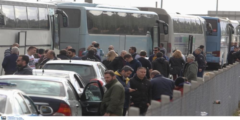 Ατελείωτες ουρές στα ελληνοτουρκικά σύνορα, από εκδρομείς που πήγαν Τουρκία για το τριήμερο (ΒΙΝΤΕΟ)