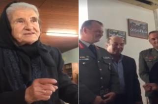 ΒΙΝΤΕΟ: Η… κυρά του Αμορίου, που εμψυχώνει τους στρατιώτες με ποιήματα στα ελληνοτουρκικά σύνορα
