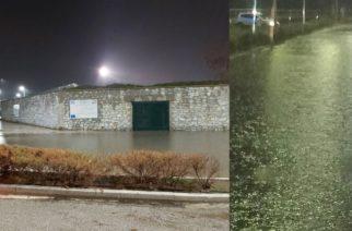Αλεξανδρούπολη ΤΩΡΑ: Πλημμύρισε και έκλεισε ο δρόμος στη στροφή του Εγνατία- Προσπάθειες να δοθεί λύση